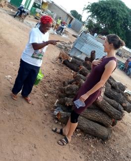Hart tot hart communicatie met de dove Anna die ik ontmoette op straat in Upper-West Ghana